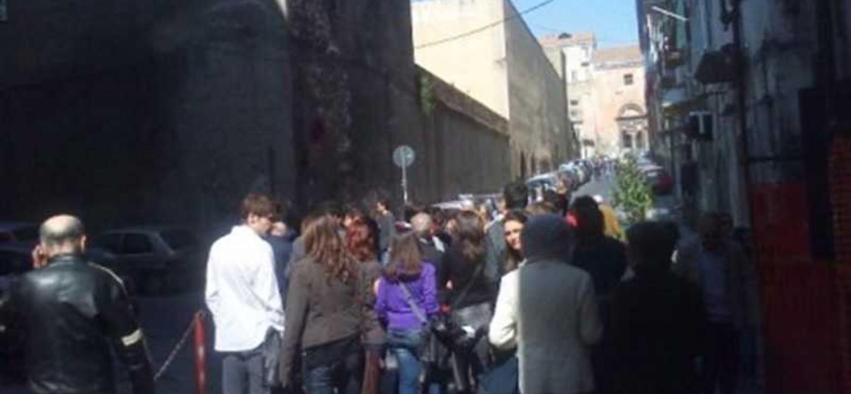 Napoli, Città fuori servizio?