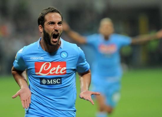 Napoli vince pensando alla Juventus
