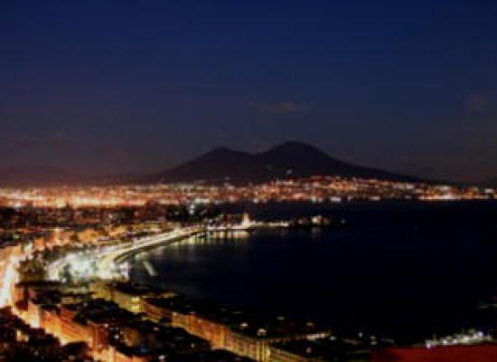 Weekend, Napoli e dintorni svelati di notte e di giorno