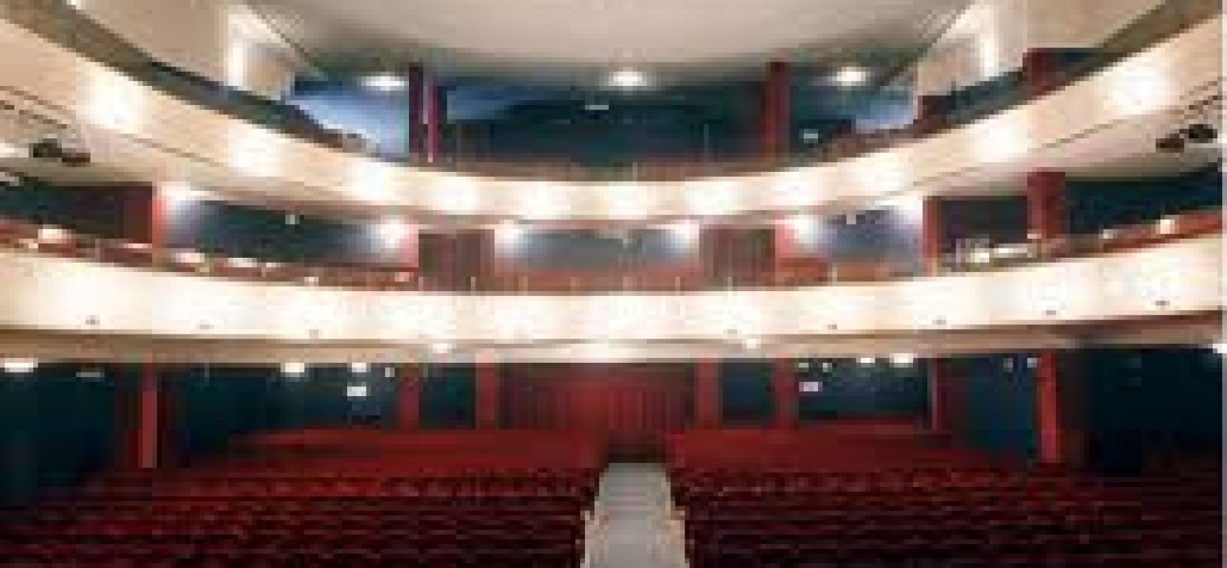 Teatro Diana, due amiche in scena