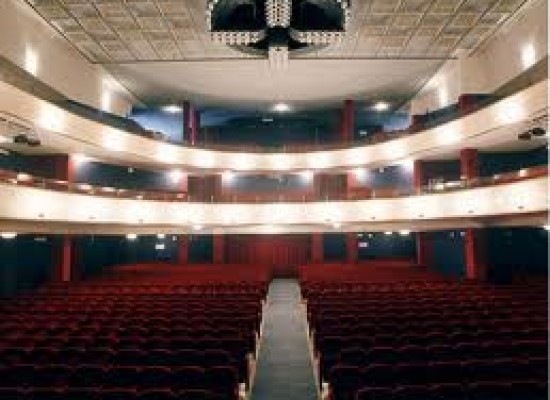 Teatro, Diana presenta una nuova star: la poltrona rossa