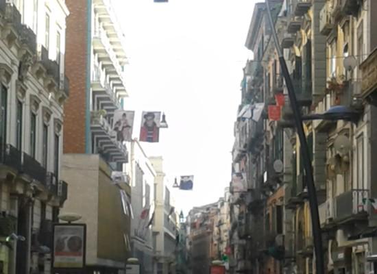 Napoli via Toledo, il volto dei bambini per il marketing