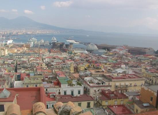 Napoli rivoluzione traffico per DOLCE E GABBANA
