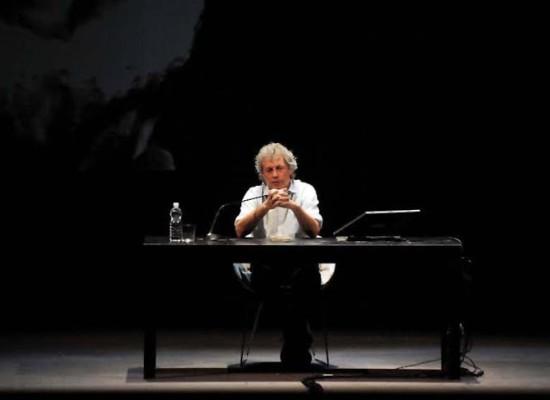 Dalle storie di Baricco al Nuovo ai Piccoli crimini coniugali del Primo e sino al Teatro cerca casa di Santanelli