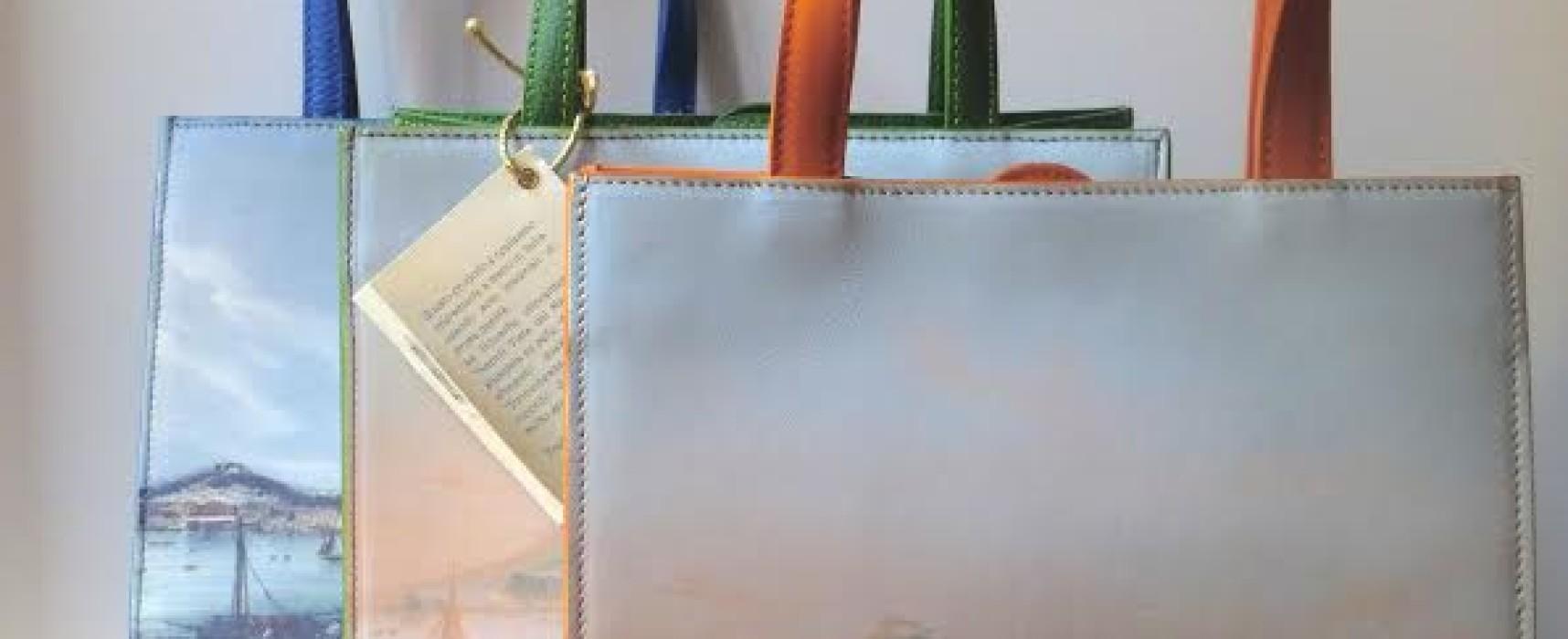 Handbag cartolina e pochette intellettuali: gli accessori più alla moda