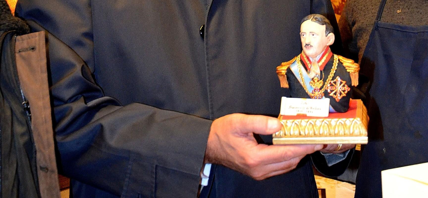 Francesco di Borbone nella statuetta degli artigiani di San Gregroio Armeno foto di Giuseppe Nuzzo