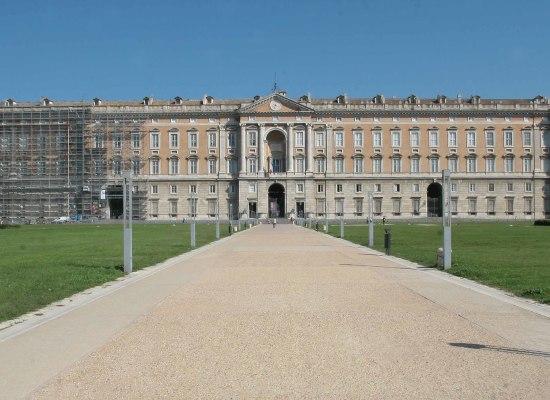 In bici tra i siti Unesco: Napoli, Pompei, Ercolano, Oplonti e Reggia Caserta