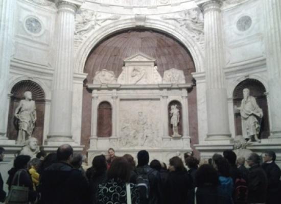 Itinerari presepiali, presepi marmo e legno da San Domenico Maggiore con pietre Antro di Betlemme alle statue di San Giovanni Carbonara