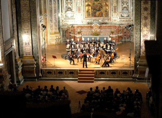 VOCALIA in scena a San Francesco delle Monache, la chiesa angioina per le suore senza clausura