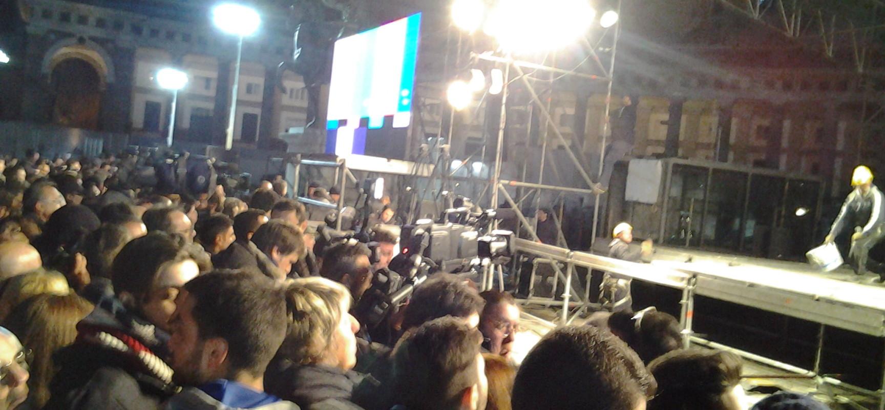 Piazza Plebiscito aspetta Pino per l'ultimo abbraccio