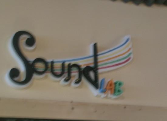 Napoli TRA/dita, il nuovo sound della tradizione