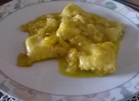 Ravioli con noci e nocelle in Salsa di Agrumi