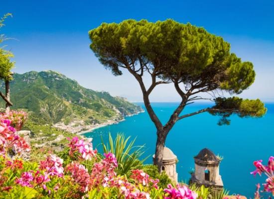 Napoli e Sorrento nella top ten delle mete turistiche di stranieri