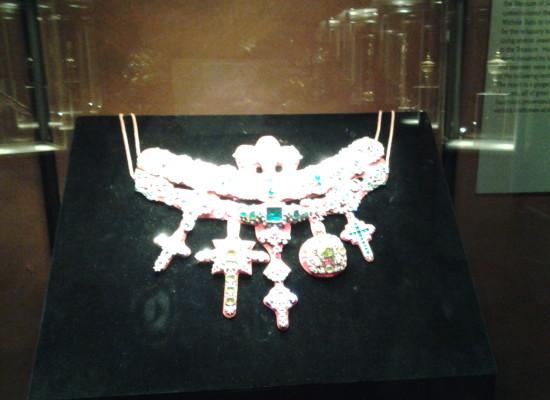 San Gennaro espone per sempre le sue 10 Meraviglie, dal Collare alla Mitra, nel Museo arriva il Tesoro di Napoli