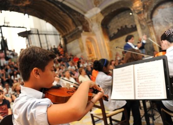 Rinasce la Sanitansamble, testimonial Sal Da Vinci per 44 nuovi musicisti