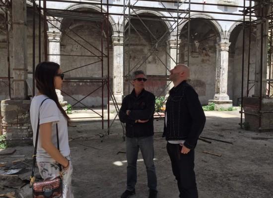 Saturnino, turista innamorato del Chiostro Santa Caterina a Formiello