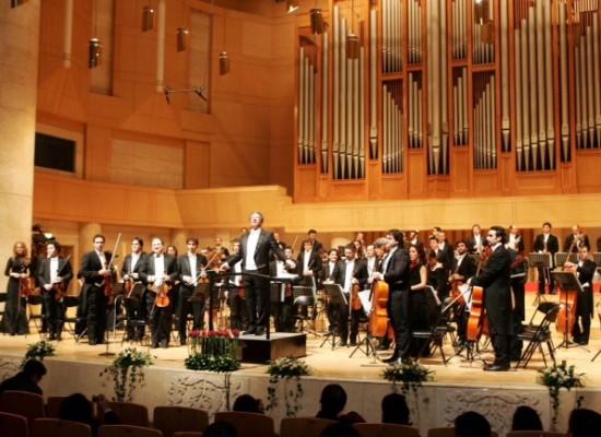 Musica, Una venticinquenne dirige Nuova Orchestra Scarlatti con 114 musicisti