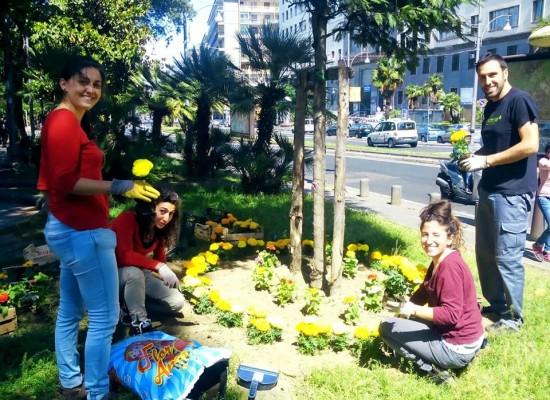 Napoli, piazza Cavour rinasce dalle 'mani' dei volontari che lanciano petizione