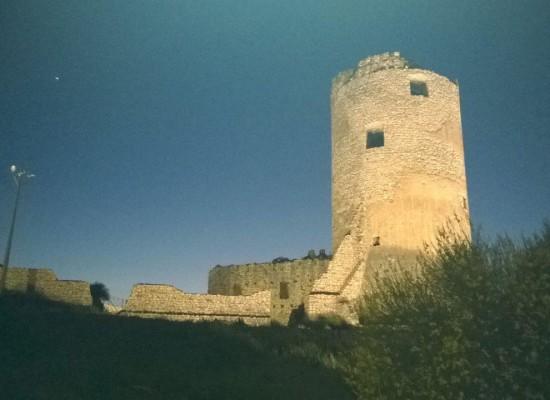 Avella, luci sul castello di Re Artù