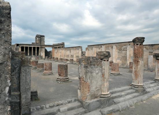Pompei, riapre la Basilica, il palazzo di giustizia