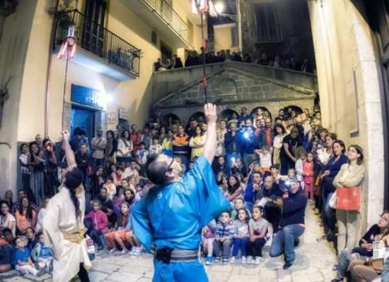 A Capocastello, Castellarte, palcoscenico del Festival internazionale Artisti Strada