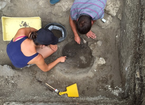 Pompei, scoperte le tombe dei romani poveri