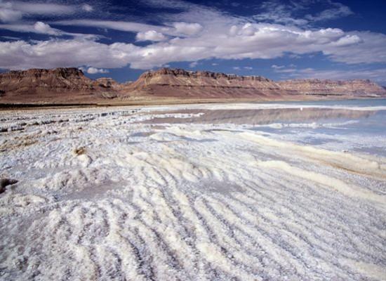 Mar Morto, alla scoperta delle meraviglie nel luogo più basso della Terra