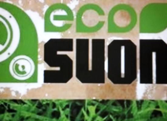 Isola ecologica trasformata in palco per Eocsuoni