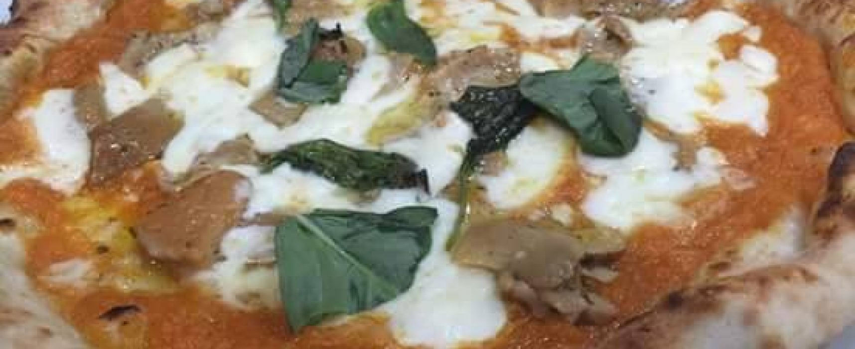 Pizza, a Napoli le 50 al TOP