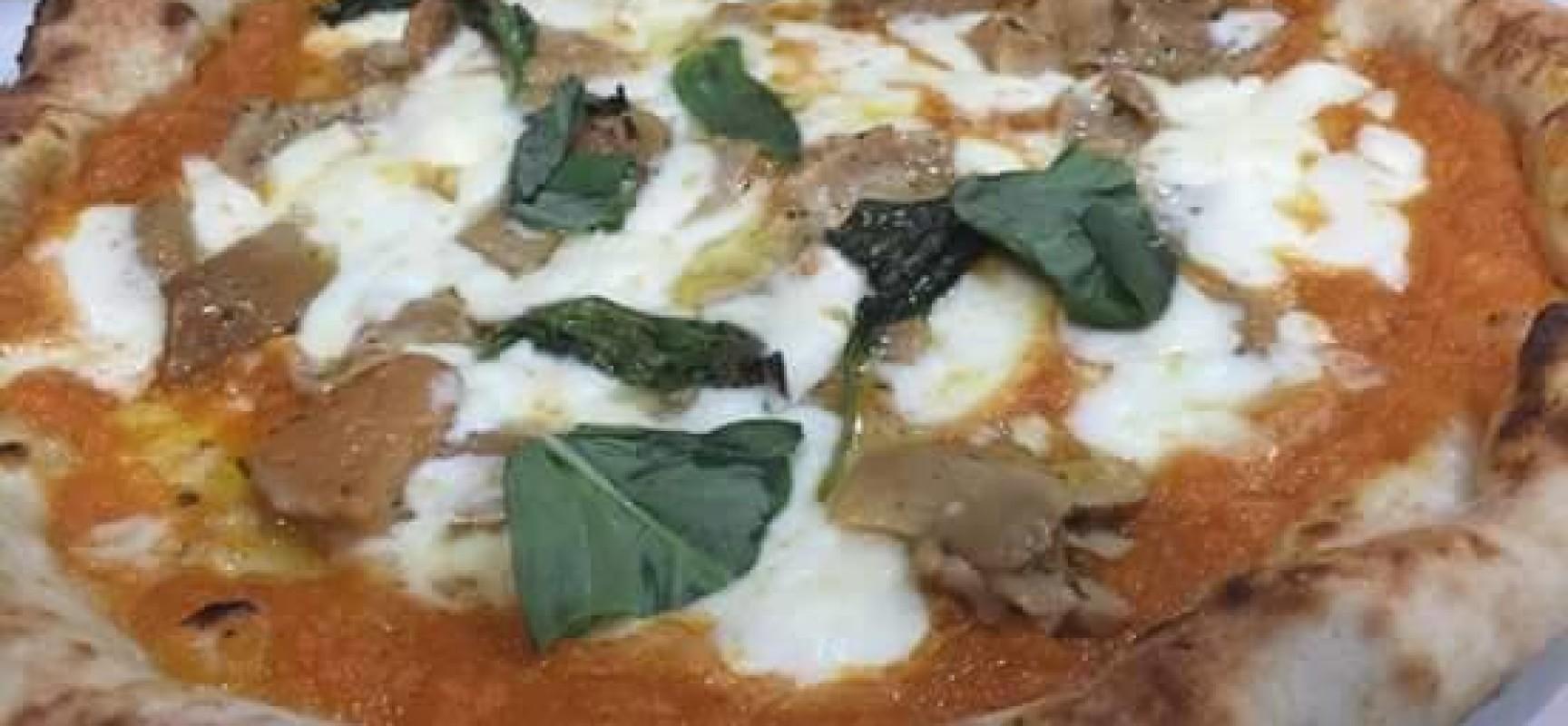 Pizza, a Napoli le 50 al TOP