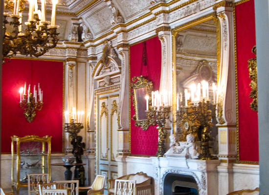 Riapre Villa Pignatelli, la casa museo di Napoli