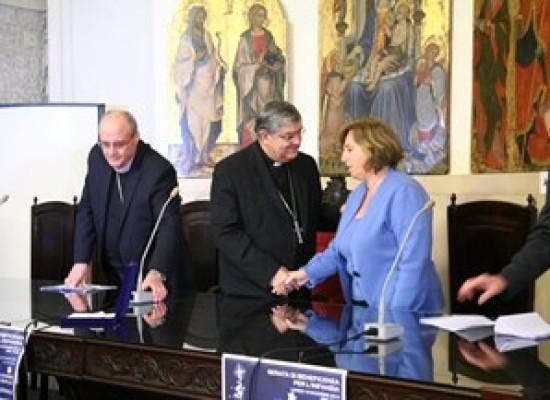Napoli apre farmacia solidale