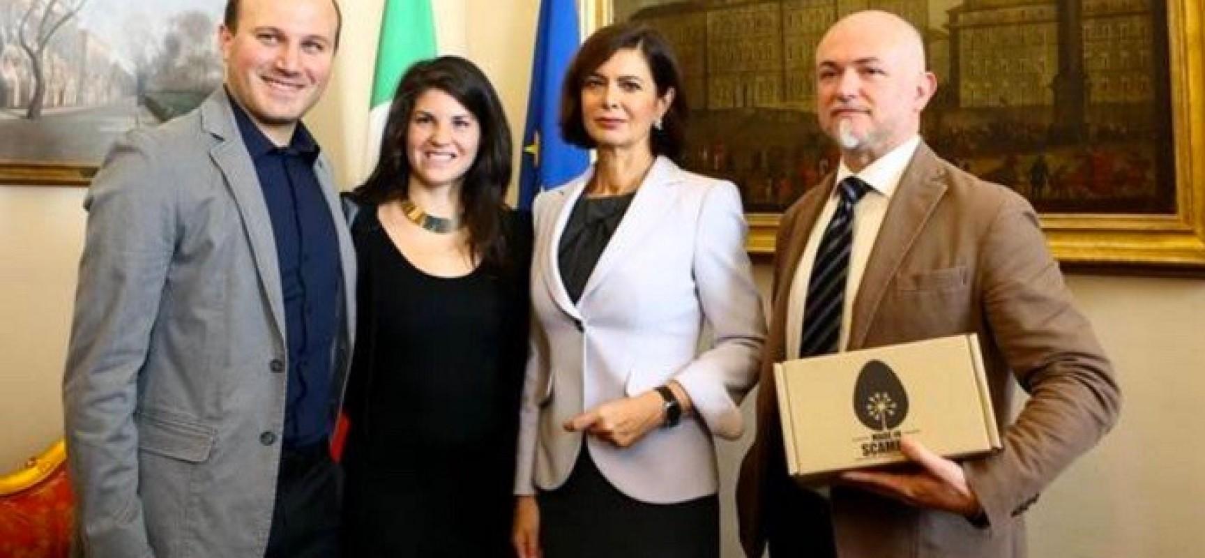 Made in Scampia, la Boldrini visita Scampia