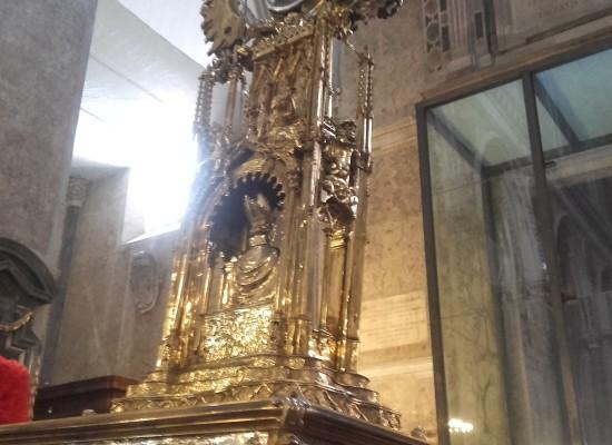 San Gennaro scioglie il sangue e resta del popolo