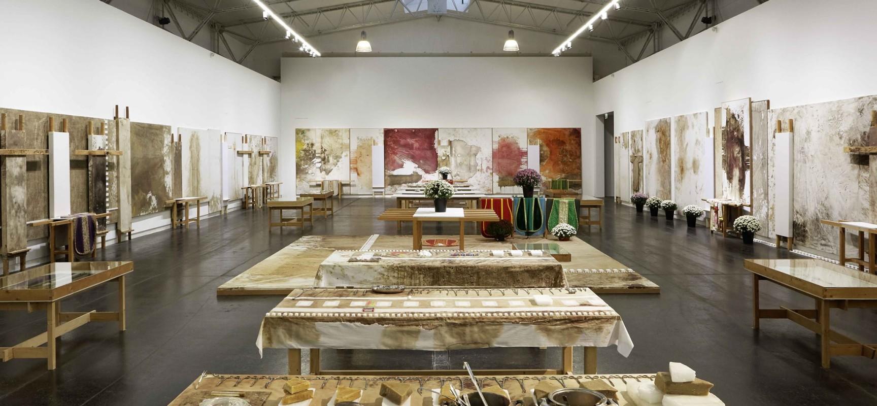 Peppe Morra compie 70 anni e regala una nuova mostra