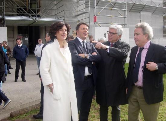 Renzi e signora turisti alla Reggia di Caserta
