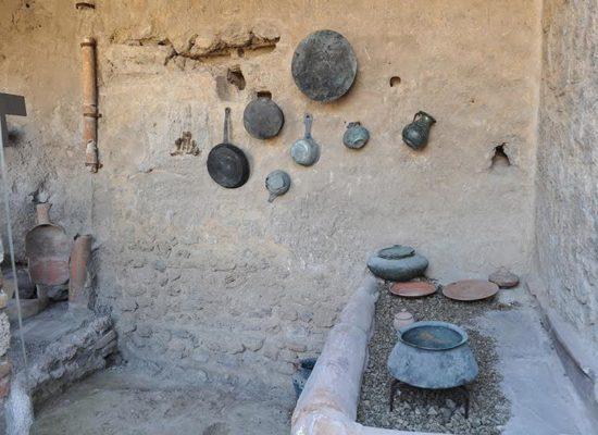 A Pompei riapre la cucina modello
