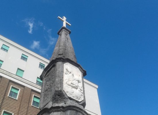 Portosalvo Napoli restaura obelisco Borbone