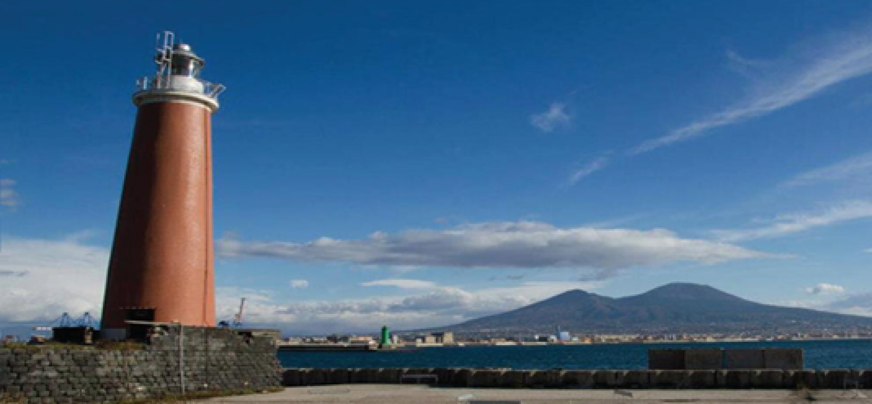Napoli brinda al 2017 al Molo San Vincenzo