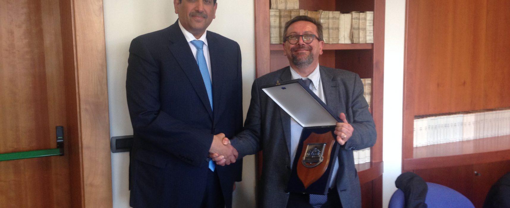 Ambasciatore Qatar in visita nel porto