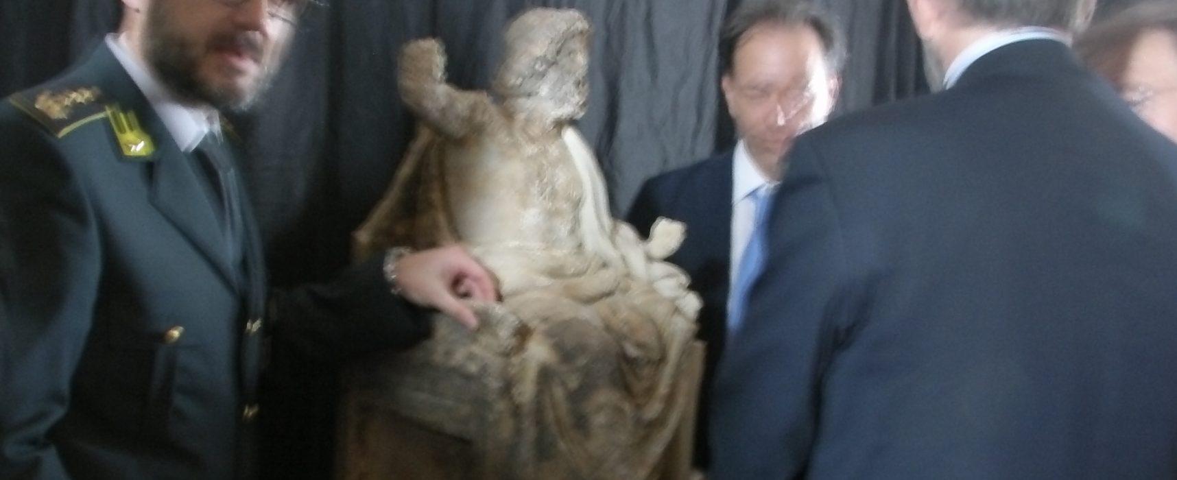Zeus in trono è dei Campi Flegrei