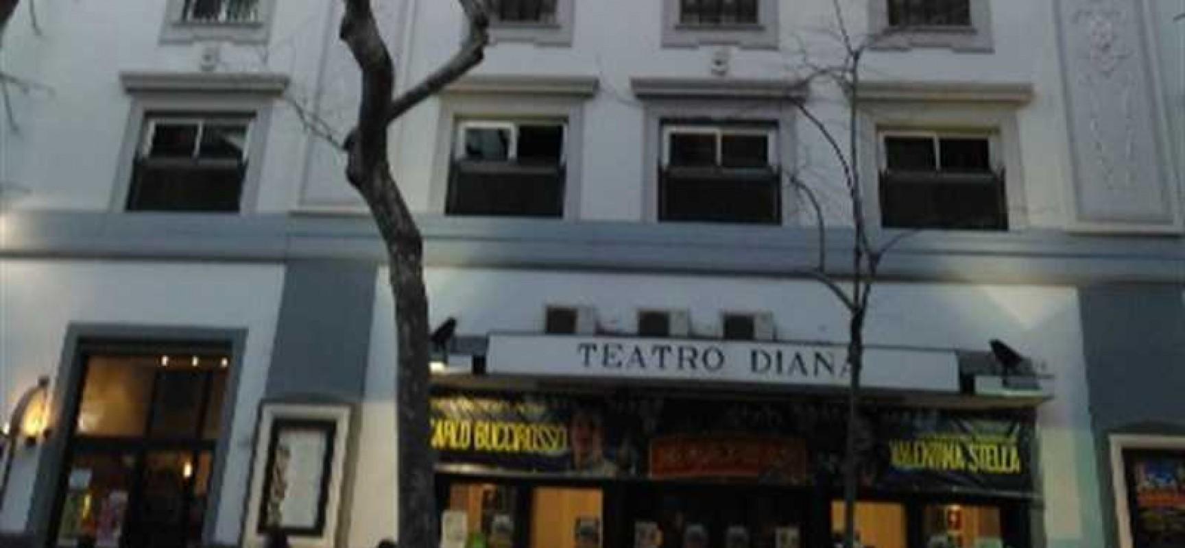 Teatro Diana, Veronica Pivetti presenta il suo ultimo libro   Napoli Post    Notizie, politica, cronaca, turismo e cultura in Campania